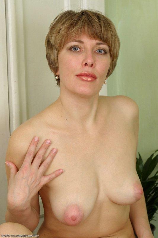 Фото отвисшие груди зрелых женщин дала